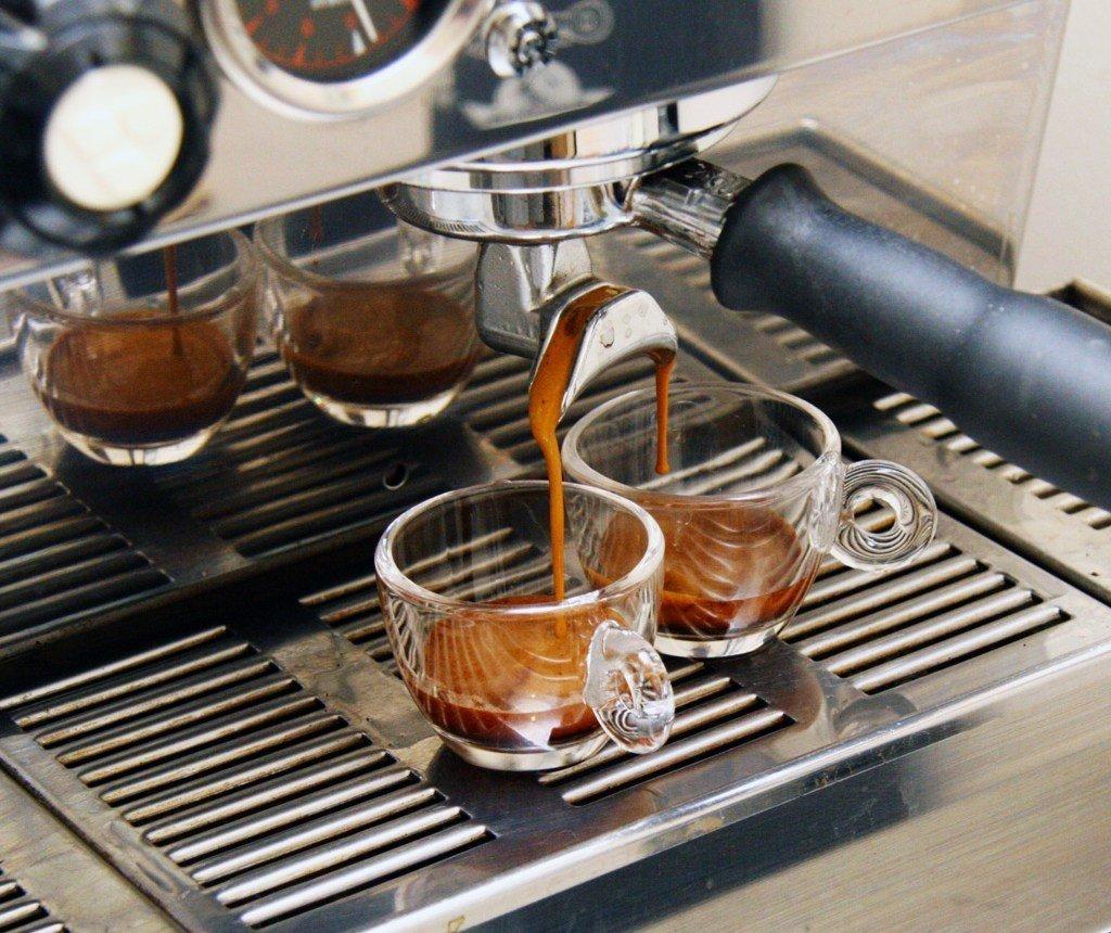 espresso pulling shots