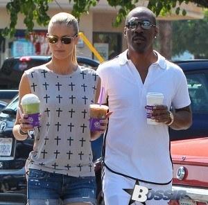 eddie murphy and girlfriend getting coffee