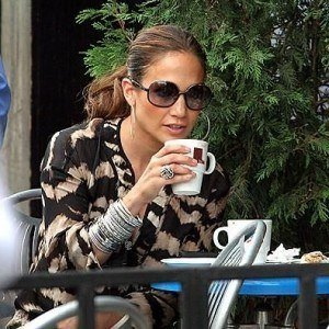 jennifer lopez drinking coffee