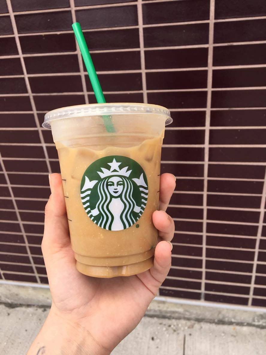 Starbucks Blonde Iced Vanilla Almond Milk Latte review